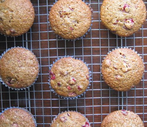 Orange cranberry muffins 081206