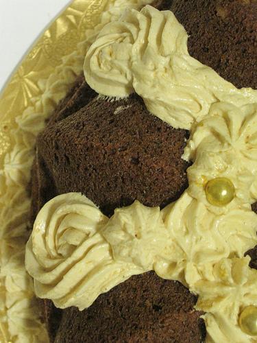 Pumpkin Cake with Silk Meringue Close